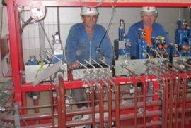 Kontigluehe-2-Montage-von-Equipment-und-Rohrleitungen